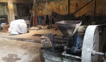 নারিকেল তেল উৎপাদনের খ্যাতি হারাচ্ছে বাগেরহাট