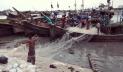 ইলিশ শিকারে সমুদ্রে যেতে প্রাণচঞ্চল চট্টগ্রাম ফিশারি ঘাট