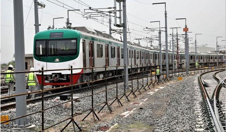 5 held for stealing Metro Rail materials