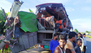 7 killed in bus-truck collision in Mymensingh