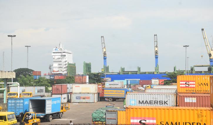 Strike causes impasse in goods transport at Chattogram port