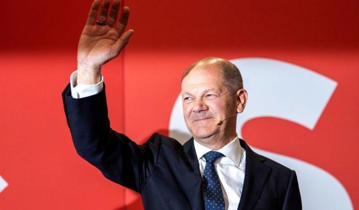 German polls: Centre-left narrowly wins against Merkel`s party